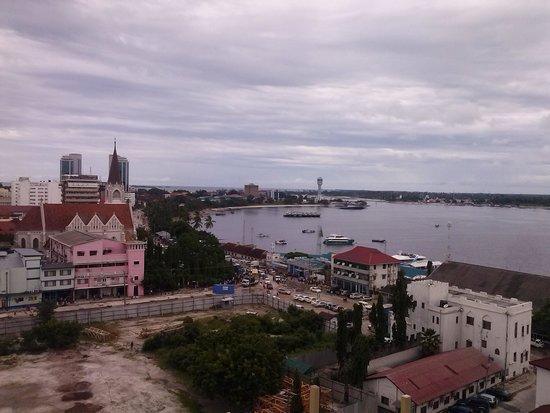 Harbour View Suites: View of Dar Es Salaam Harbour from Harbour Suites