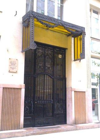 To-ma Apartments: ingresso esterno