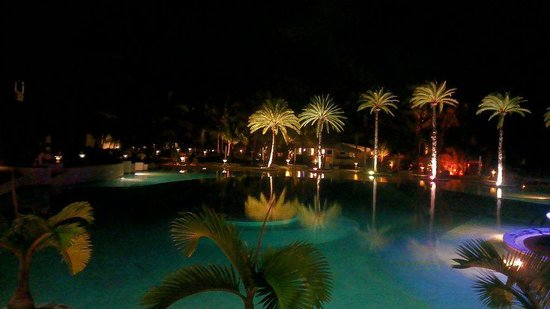 LUX* Belle Mare: Pool View at night