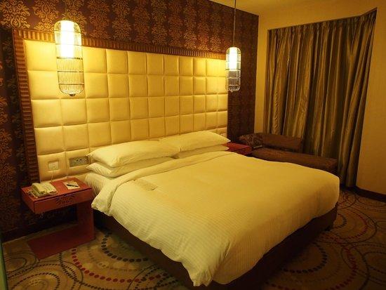 The Metropolitan Hotel & Spa New Delhi: Club room