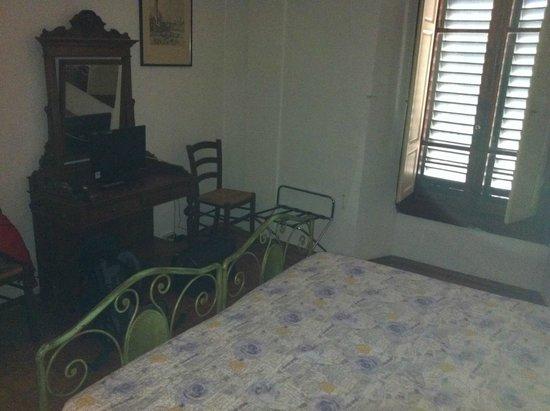 Hotel Villa Belvedere: Superior-Zimmer (!) nicht vergleichbar mit Anbieterfotos