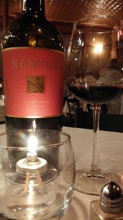 Al Corso Restaurant: Newton Claret - nice wine!