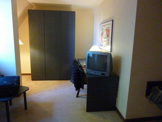 Rosenburg Hotel: télé hight tec, aucune chaine en Francais