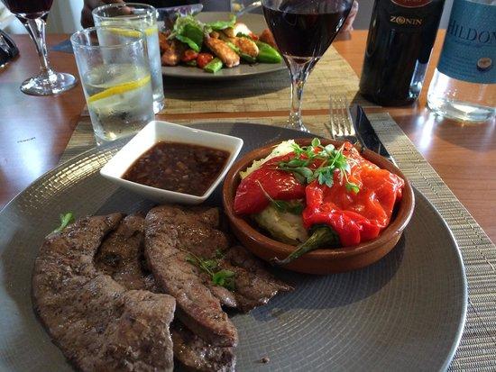 All Seasons Restaurant & Inn: Grilled Calves Liver