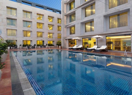 Four Points by Sheraton Jaipur, City Square: Swimming Pool