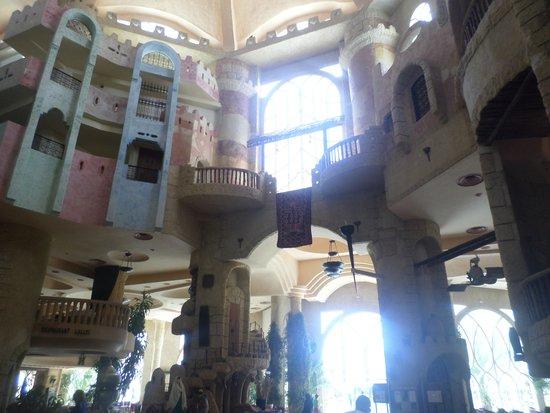 Lella Baya: Inside the Hotel