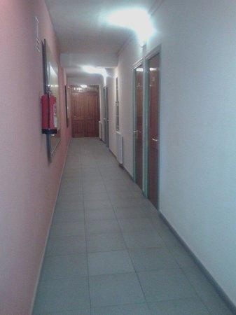 Hotel S'Agoita: Largos pasillos oscuros