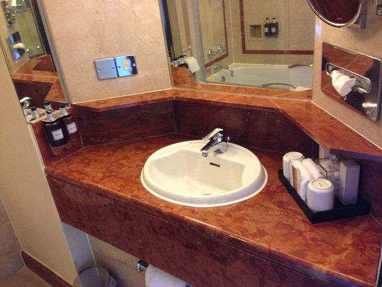 Radisson Blu Edwardian Hampshire Hotel: Room 420