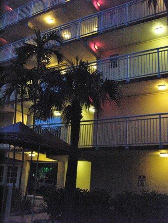 Marina Del Mar Resort And Marina: Außen bei Nacht