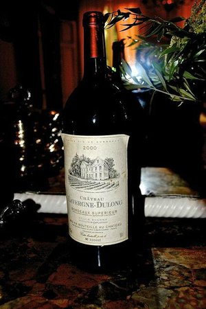 Chateau Lavergne-Dulong - Chambres d'hotes: The house wine