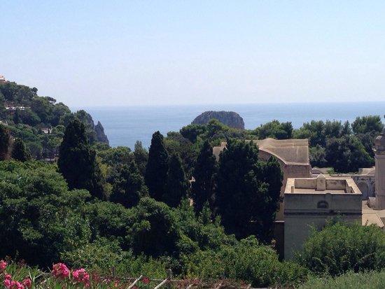 Hotel Flora: Panorama dalla terrazza della piscina