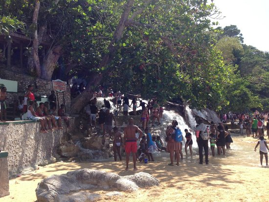 Dunn's River Falls and Park: bottom of the falls