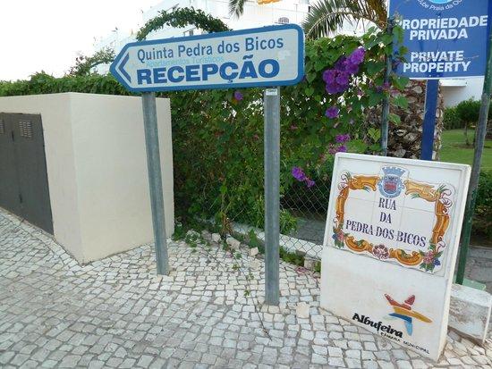 Quinta Pedra dos Bicos: This way to Reception.....
