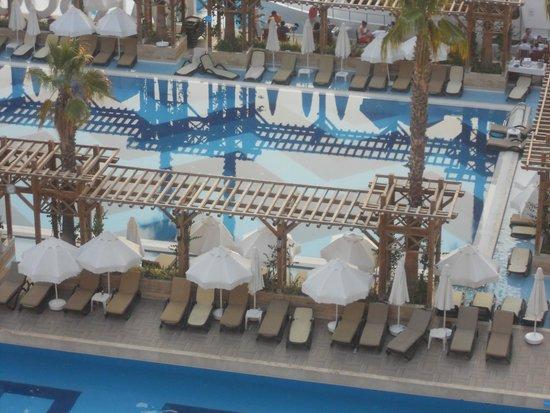 Crystal Sunset Luxury Resort & Spa: Adult Pool area