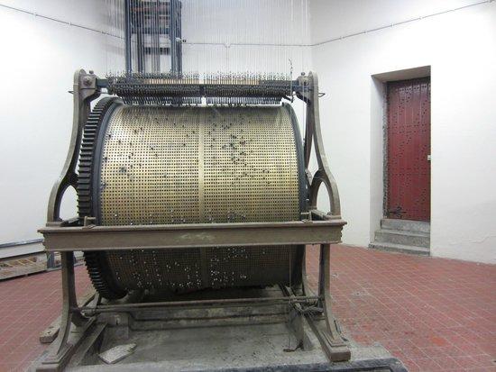 """Belfry and Cloth Hall (Belfort en Lakenhalle): The """"drum"""" that regulates the bells"""