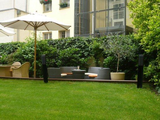 Jardim picture of design hotel josef prague prague for Design hotel josef prague booking com