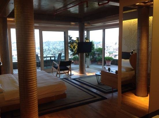 Witt Istanbul Suites: room and view