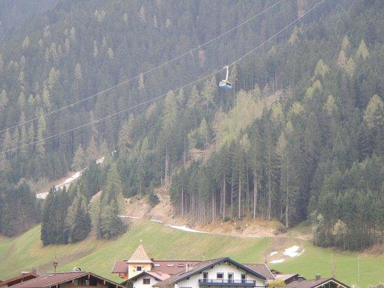 Hotel Edenlehen: Penken liftn view from room