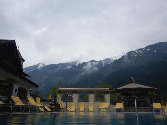 Hotel Edenlehen: view from pool area