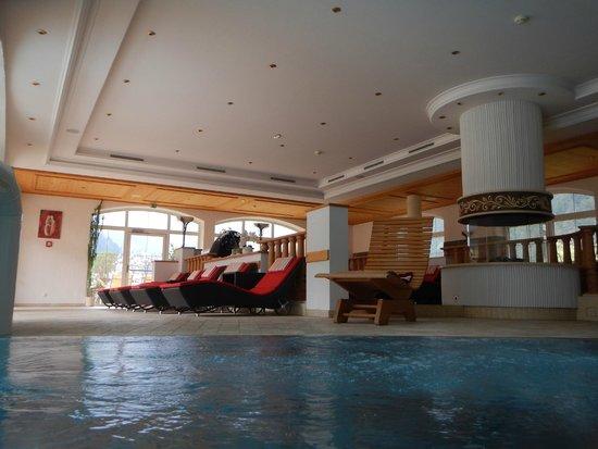 Hotel Edenlehen: indoor pool area