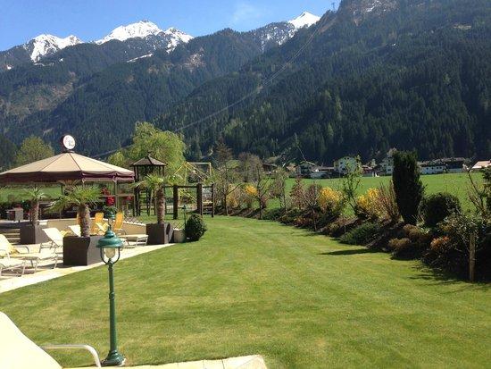 Hotel Edenlehen: pool area