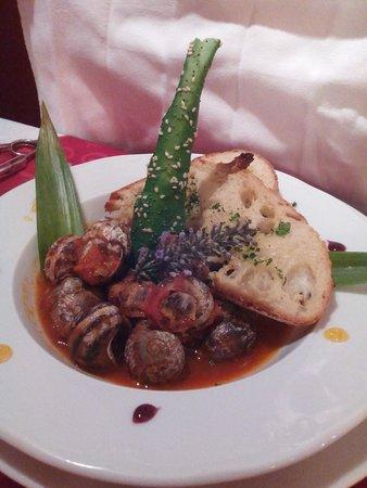 Le Baron Gourmand: Escargots à la bordelaise en entrée
