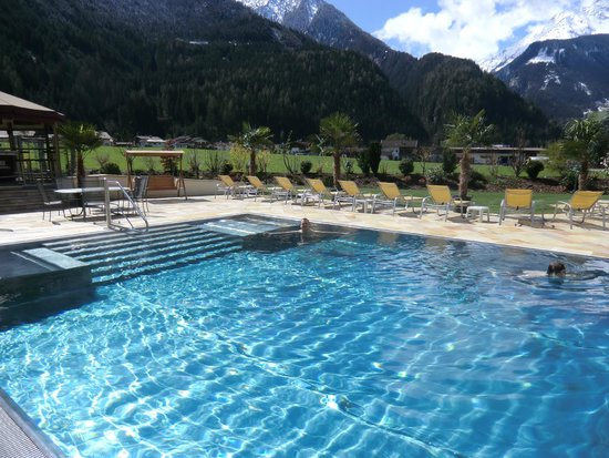 Hotel Edenlehen: outdoor pool