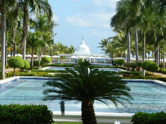 Hotel Riu Palace Punta Cana : View from the courtyard
