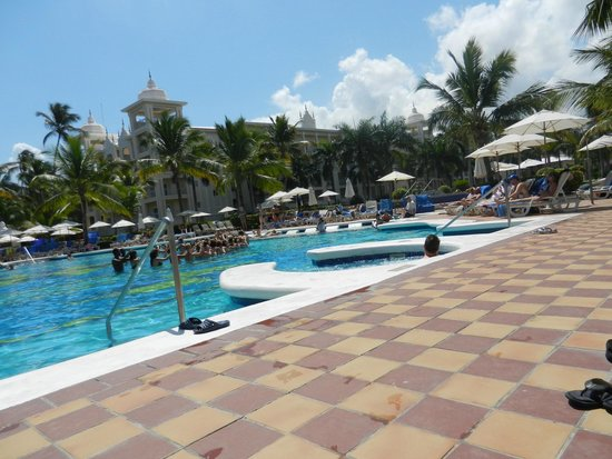 Hotel Riu Palace Punta Cana : Water aerobics at the pool
