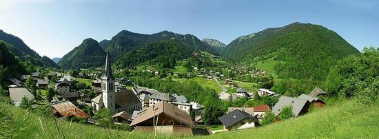 La Vieille Ferme de la Moussiere: St Jean d'Aulps in the summer