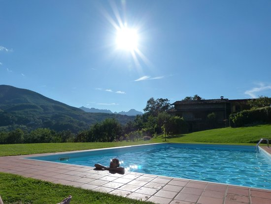 Agriturismo Braccicorti: Quiet pool after a days walking.