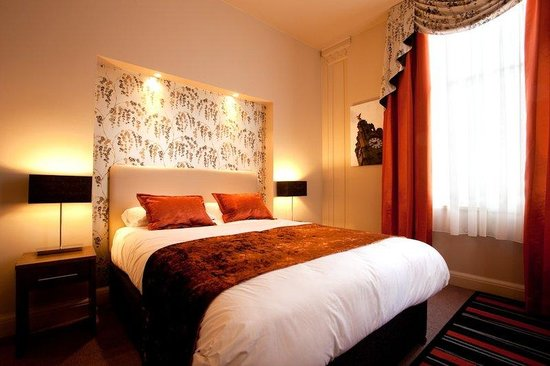 Heywood House Hotel: Comfy Bedroom