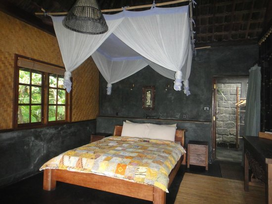 Bali Eco Stay Bungalows : Bedroom in Harvest Bungalow