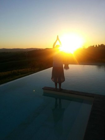 Fattoria Armena: Sunset by the pool