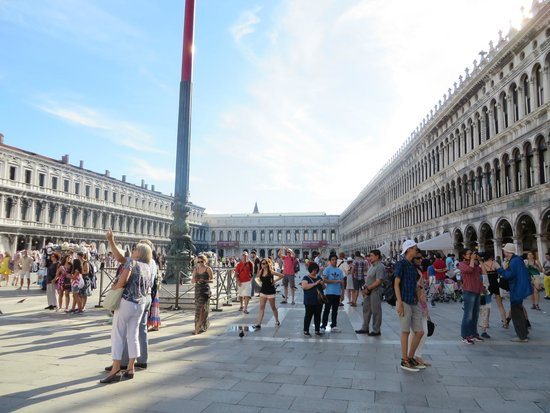 Piazza San Marco (Place St Marc) : view of the square