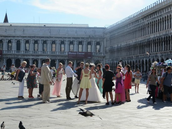 Piazza San Marco (Place St Marc) : Italian wedding in the square
