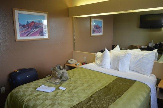 Desert Inn: camera