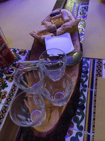 La rustica : Caffè fatto con la Moka e crostata