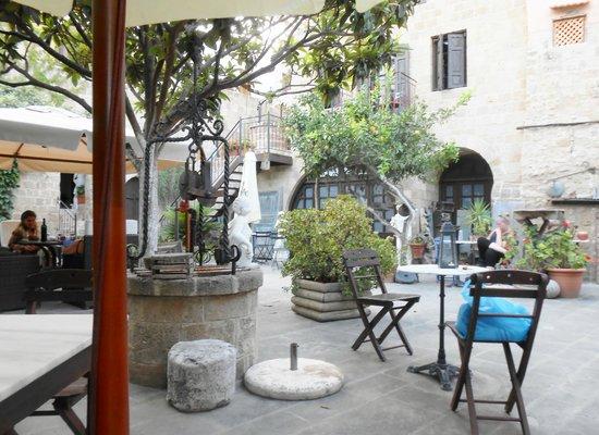 S. Nikolis Hotel & Apartments : Garden