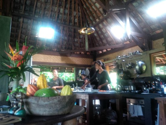 Bali Eco Stay Rice Water Bungalows: Beautiful kitchen in the restaurant