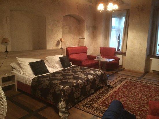 Hotel Santi: Rommet