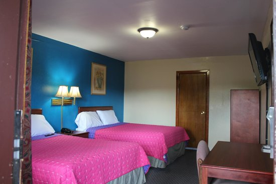 Budget Inn Corning : ROOM DB