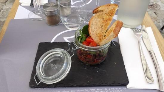Prao Saint-Nicolas : Tartare de canard à la coriandre et aux tomates séchées.