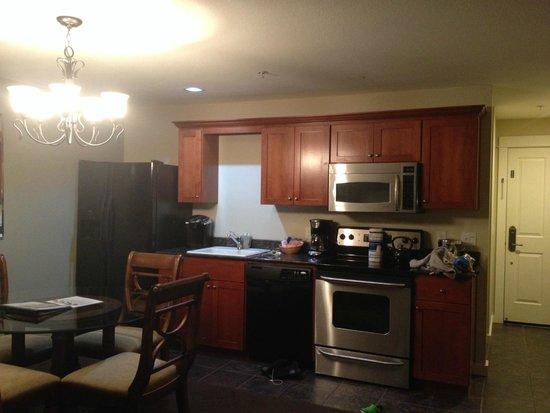 Starfish Manor Oceanfront Hotel: kitchen