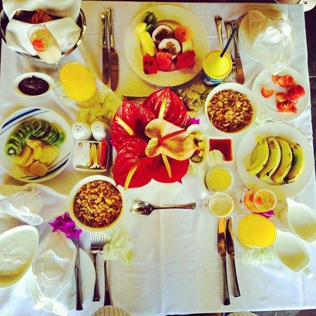 Four Seasons Resort Mauritius at Anahita: Last days room breakfast!