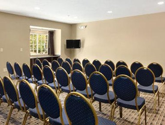 Microtel Inn & Suites by Wyndham Columbia/At Fort Jackson : Meeting Room