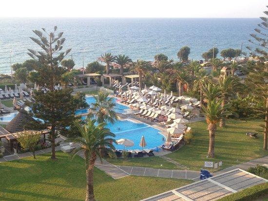 Sheraton Rhodes Resort : View of main pool