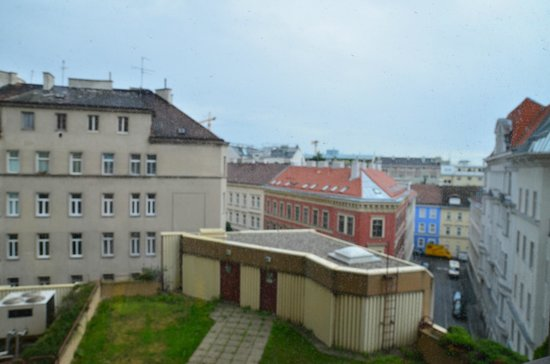 Hotel ibis Wien Mariahilf: View from room 320