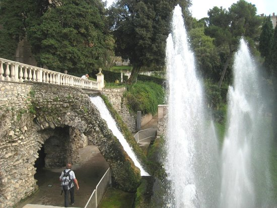 Villa d'Este : Wonderful pathways