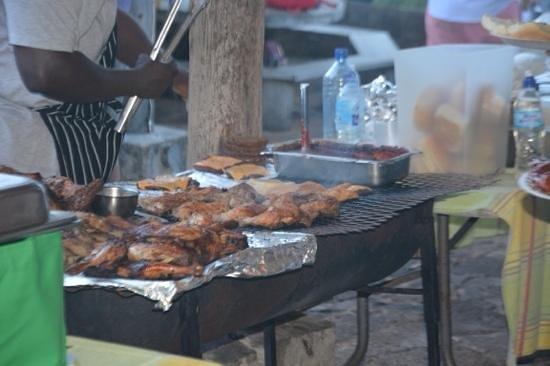 Shirley Heights: BBQ food